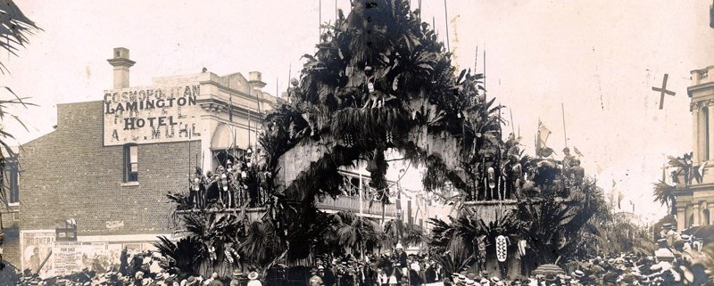 Aboriginal Arch spanning George Street in May 1901. NLA pic – an13115397-2-v.